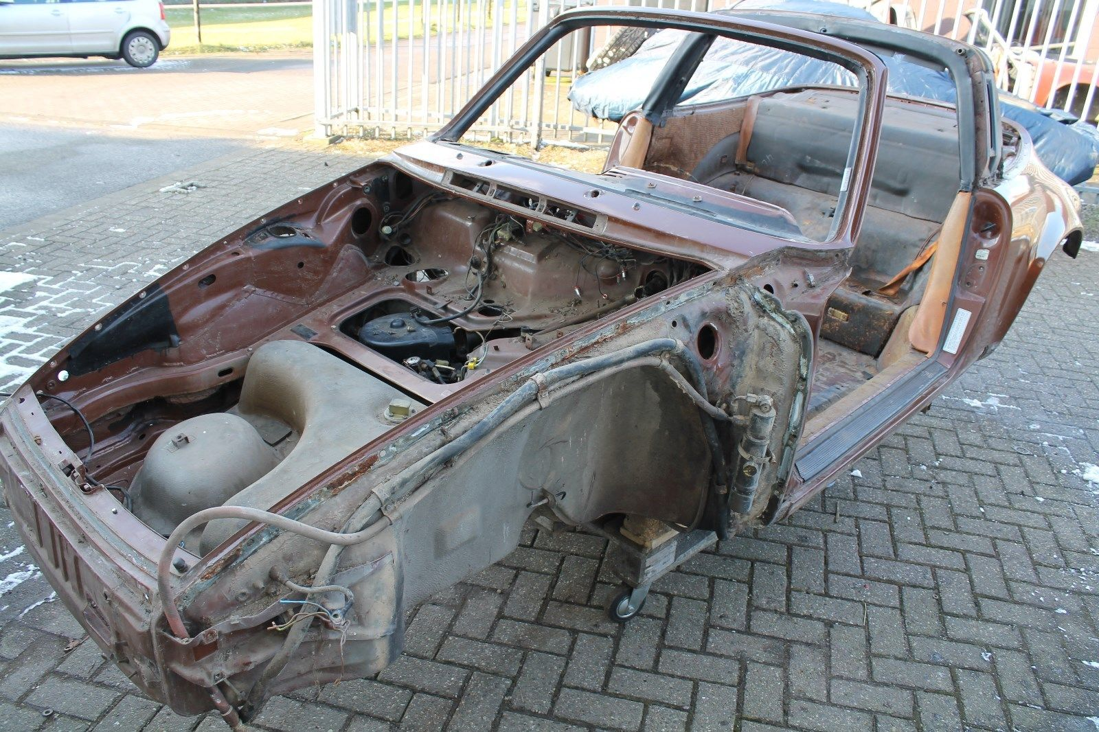 Porsche 911 Targa 3 0 Sc Rohkarosse Body Shell For Sale