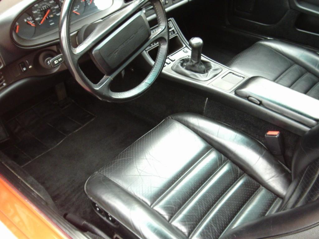 1986 Porsche 944 TURBO 2.5L