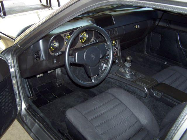 1985 Porsche 944 50k 5 SPEED