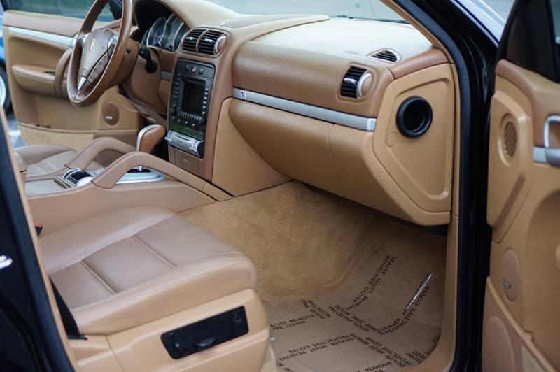 AMAZING 2005 Porsche Cayenne