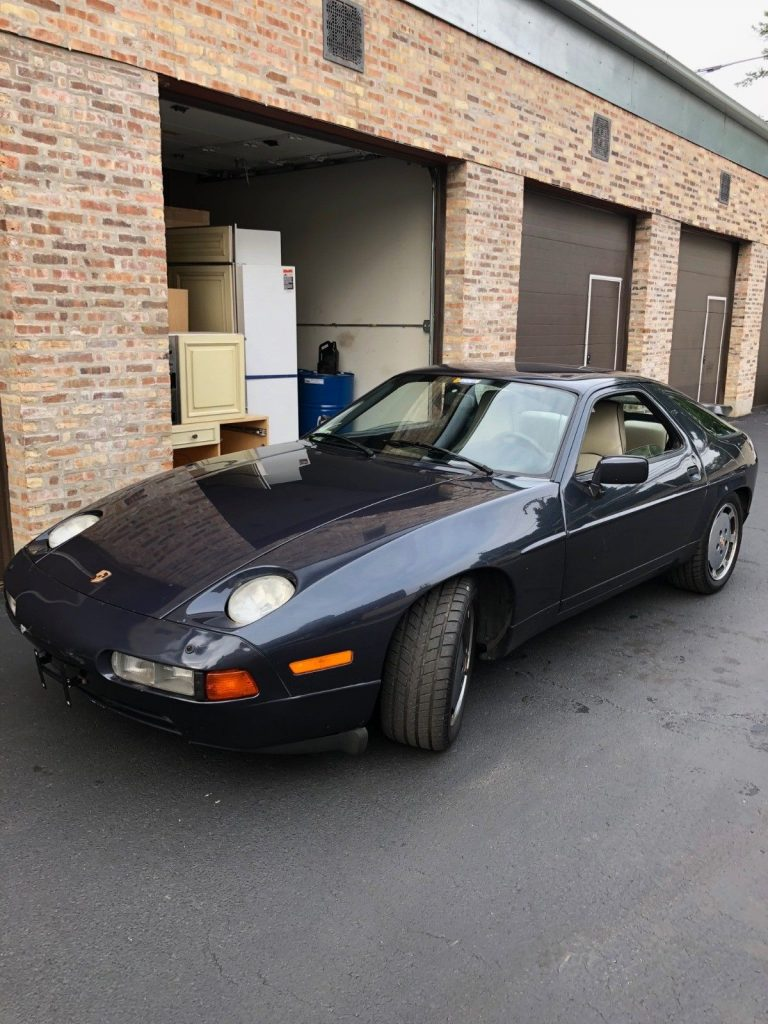 1987 Porsche 928 – runs and drives well